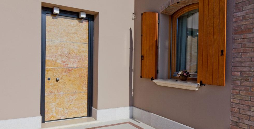 porte blindate prezzi bologna Prodotti gamma prodotti porte di sicurezza rivestimenti per porte blindate serramenti per esterni controtelai per chiusure a scomparsa porte interne.