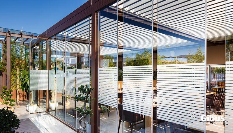 Verande vetrate e coperture vetrate scorrevoli gibus for Vetrate scorrevoli